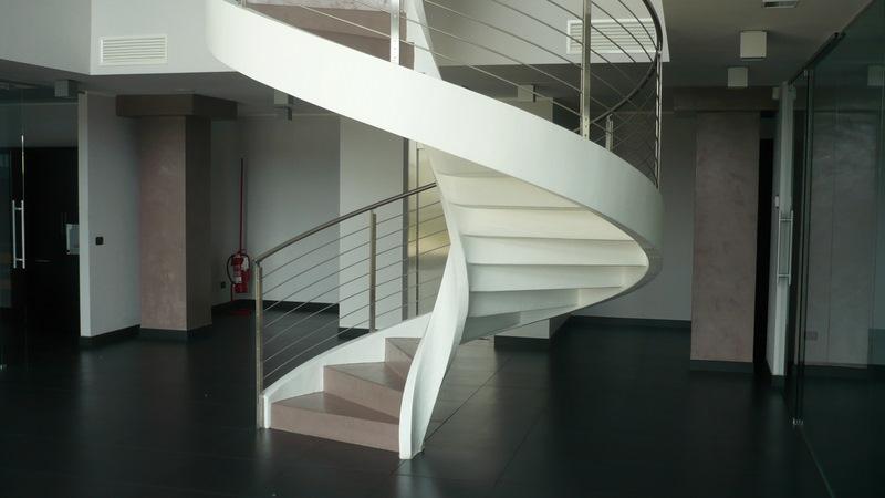 Progettazione Scale A Chiocciola : Progettazione scala con rivestimento in resina