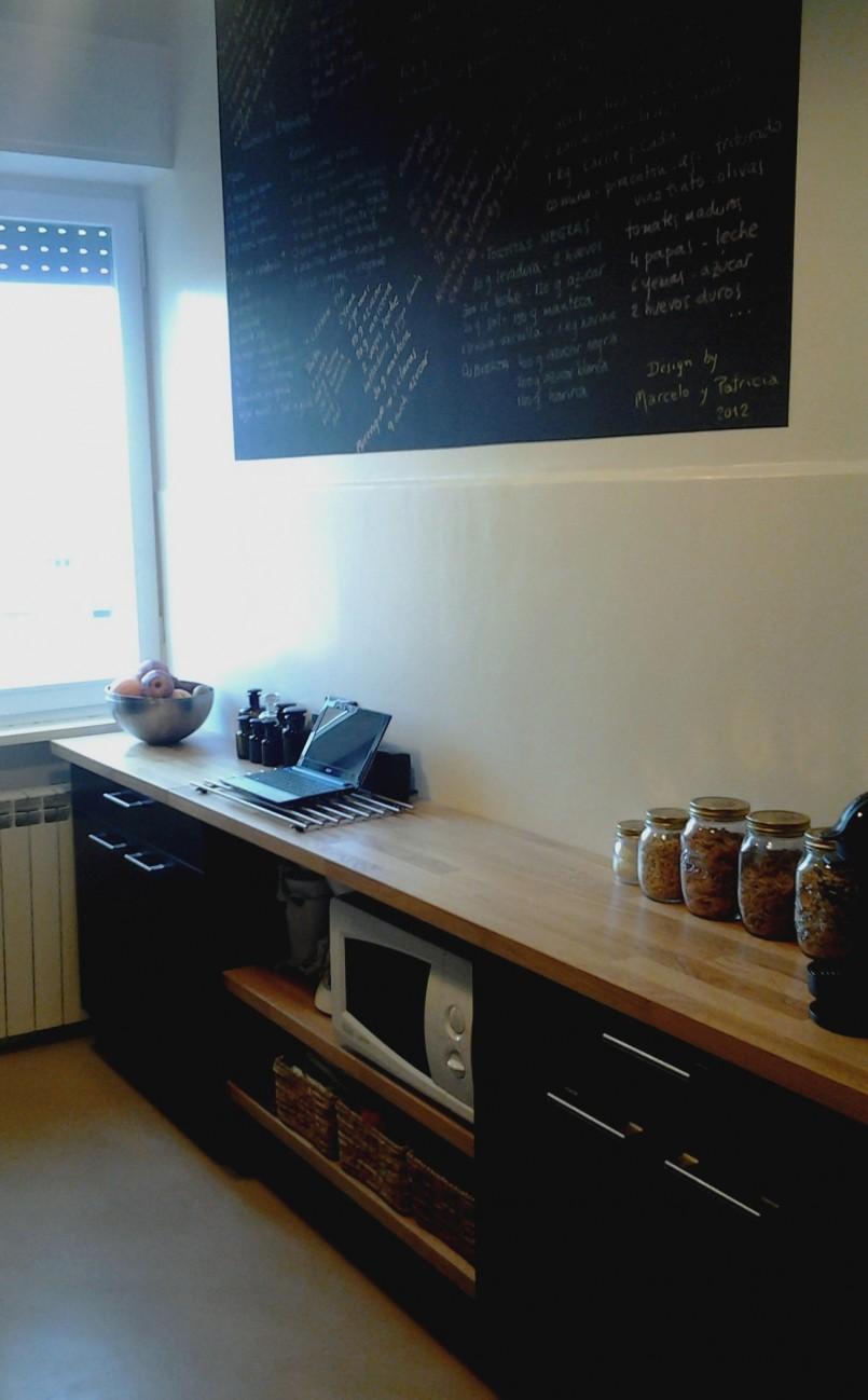 Pavimento e parete cucina in resina - Mattonelle pavimento cucina ...