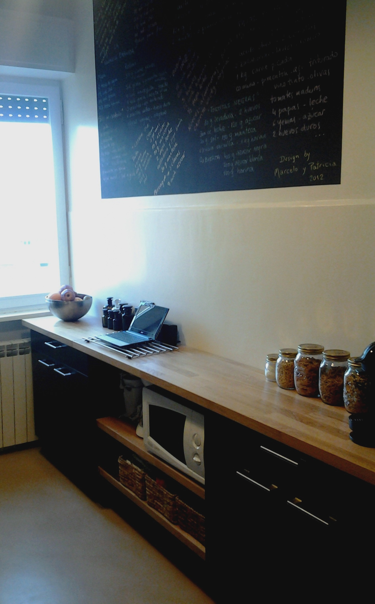 Home pavimenti in resina e rivestimenti in microcemento - Resina parete cucina ...